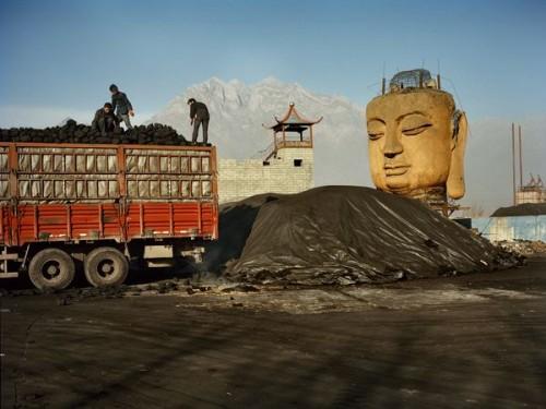 china-coal-yard-buddha_35583_600x450