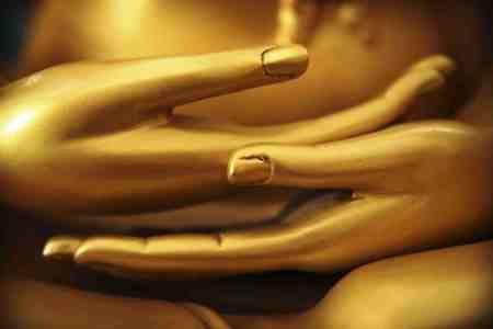 handGolden buddha hands